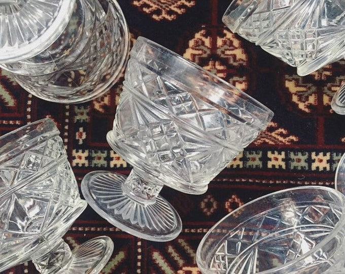 Set of 6 Cut Glass Coupe Glasses / Vintage Barware / Fancy Bohemian Drink Glasses / Mad Men Style