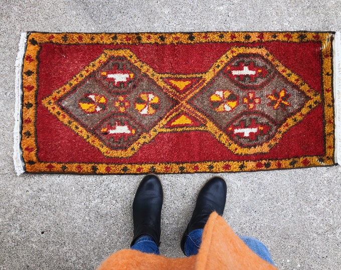 Hand Knotted Vintage Wool Turkish Rug / Boho Farmhouse Home Decor / 3.5ft by 1.5ft Kitchen, Bathroom, Entryway Accent Rug