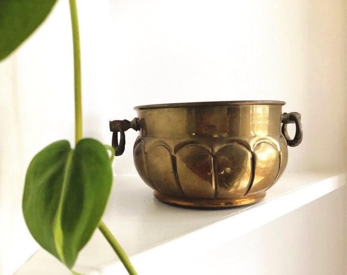 Mid Century Modern Brass Planter / Vintage Boho Style Brass Plant Holder / Farmhouse Bohemian Home and Wedding Decor