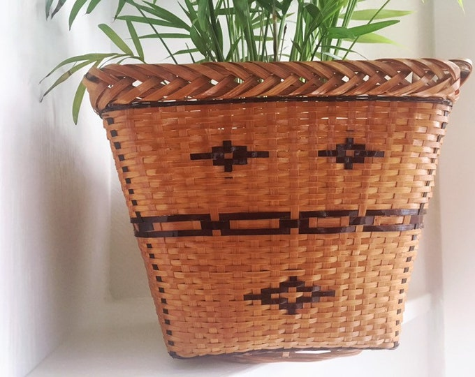 Boho Woven Planter / Vintage Basket Plant Holder / Farmhouse Boho Home or Nursery Decor