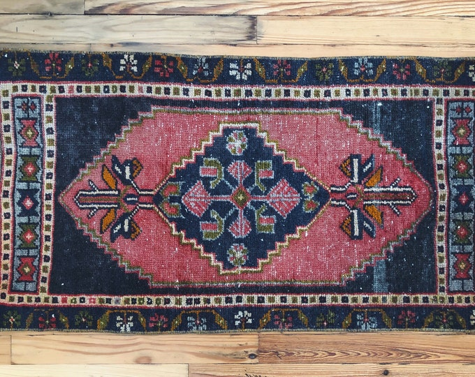 Hand Knotted Pink Vintage Turkish Rug / 3ft X 2ft / Boho Farmhouse Kitchen, Bathroom and Entryway Rug