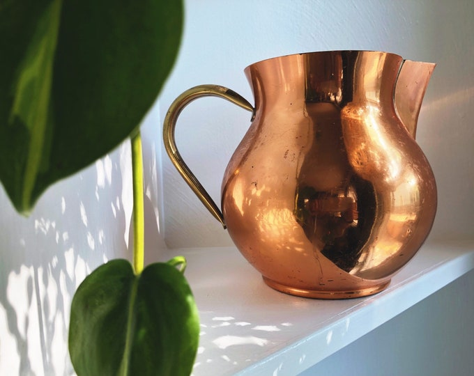 Vintage Copper Pitcher / Farmhouse Boho Rustic Home ans Kitchen Decor / Made in Portugal