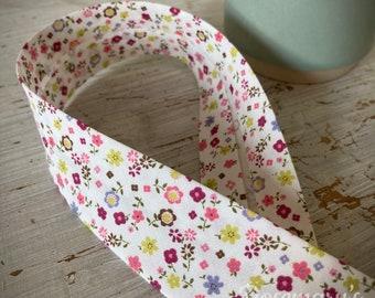 Floral 30mm folded bias binding by Byetsa