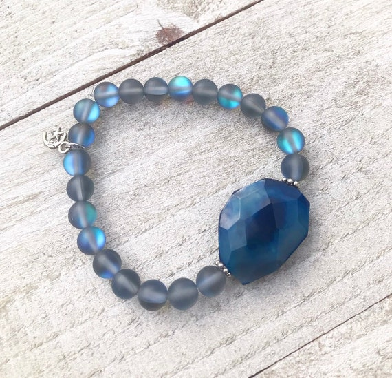 Moon glow bracelet- Agate Bracelet- Blue Agate Bracelet- Mermaid Glass- Iridescent Jewelry