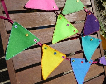 Handcrafted Felt & Button Hand Stitched Colourful Bunting (8Ft)