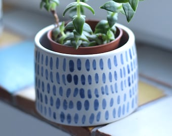 Medium Ceramic Planter - 'Lacuna' Pattern
