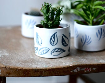 Small Ceramic Planter - 'Charcoal Leaf'