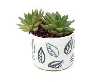 Medium Ceramic Planter - 'Charcoal Leaf' Pattern