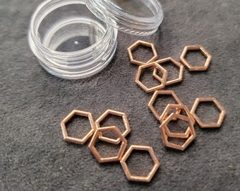 Hexagon Honeycomb Stitch Markers up to US10.75 - 7mm - Set of 12 in clear jar - Snag Free, smooth finish, knitting stitch markers rings SM23