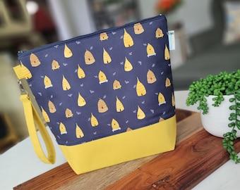 Beehive Blues - Dear Stella fabric Medium Knitting Project Bag, Zipper Yarn Bag, Zippered project tote, yarn caddy, knit bag tote WM117