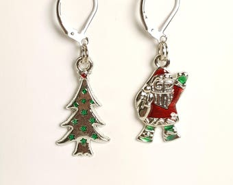 Jeweled Santa & Christmas Tree Silver Progress Keeper Set of 2, Knitting Stitch Markers, Progress Markers with 6mm lever back SM0015