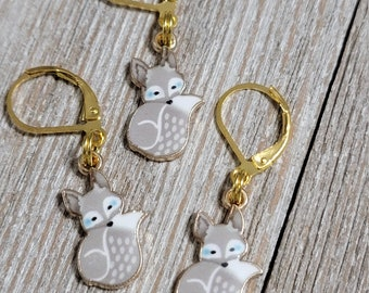 Gray Fox Progress Keeper with Lever Back finding (package of 1)  Knitting Stitch Marker, Progress Keeper PK096