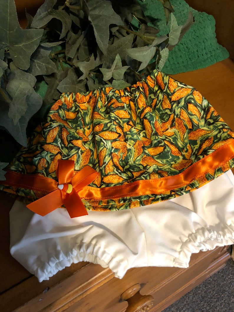 interchangeable holiday  2-piece short sets pre-made pot pal outfits  home decor