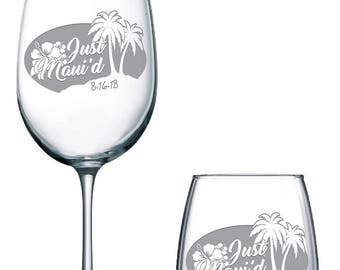 Just Maui'd, Wedding Glasses, Personalized wedding glasses, Champagne Flutes, Hawaiian Wedding, Toasting glasses, wedding toasting glasses,