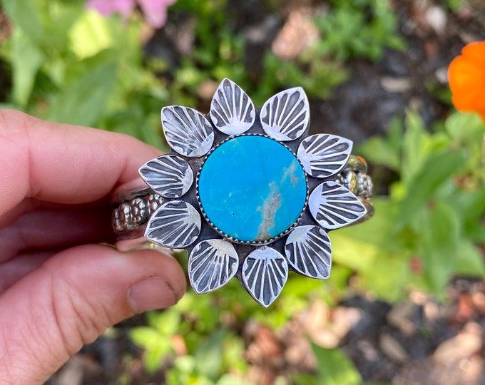Turquoise Flower Cuff, Size Small - Medium, Sterling Silver, Gypsy Style, Boho Jewelry, Southwestern, Flower Child, Wildflower, Sunflower