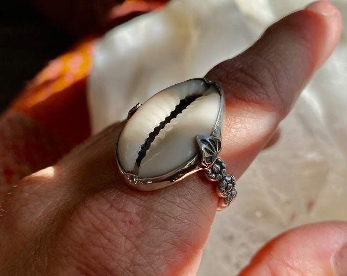 Cowrie Shell Ring, Sterling Silver, White Cowrie Shell, Beach Style, Ocean Inspired, Mermaid, Nature Jewelry, Boho, Gypsy