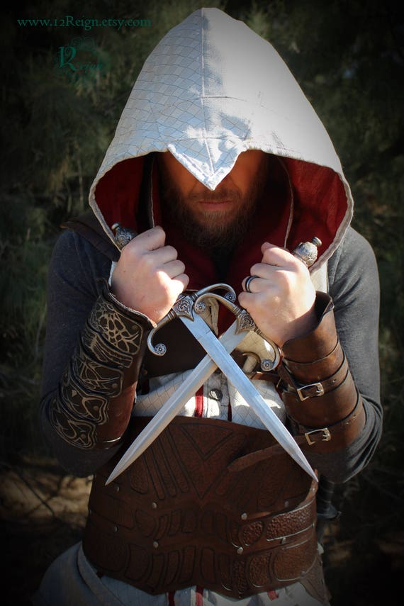 Assassin's Creed Armor - Main and offhand bracer set