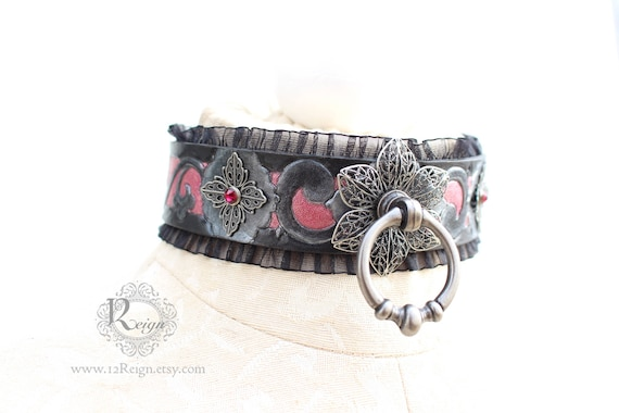 """Fetish leather collar- """"Garden of Otherworldly Delights."""" READY TO SHIP! Size: Small (12-14 inch)"""
