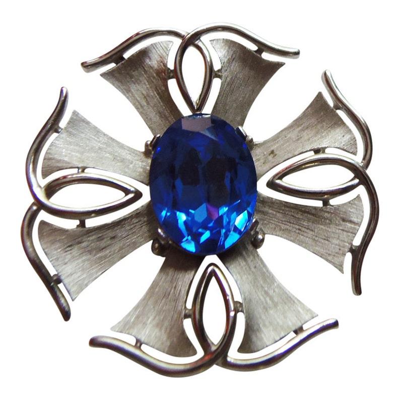 Large Geometric Silver Deep Blue Rhinestone BroochPin Vintage 1960 Signed Trifari