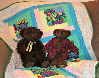 Baby Quilt with Fancy Animals, Baby Shower, Crib Quilt, Boy Quilt, Girl Quilt, Baby Blanket, Handmade Quilt, Crib Blanket, Q022-Baby Quilt
