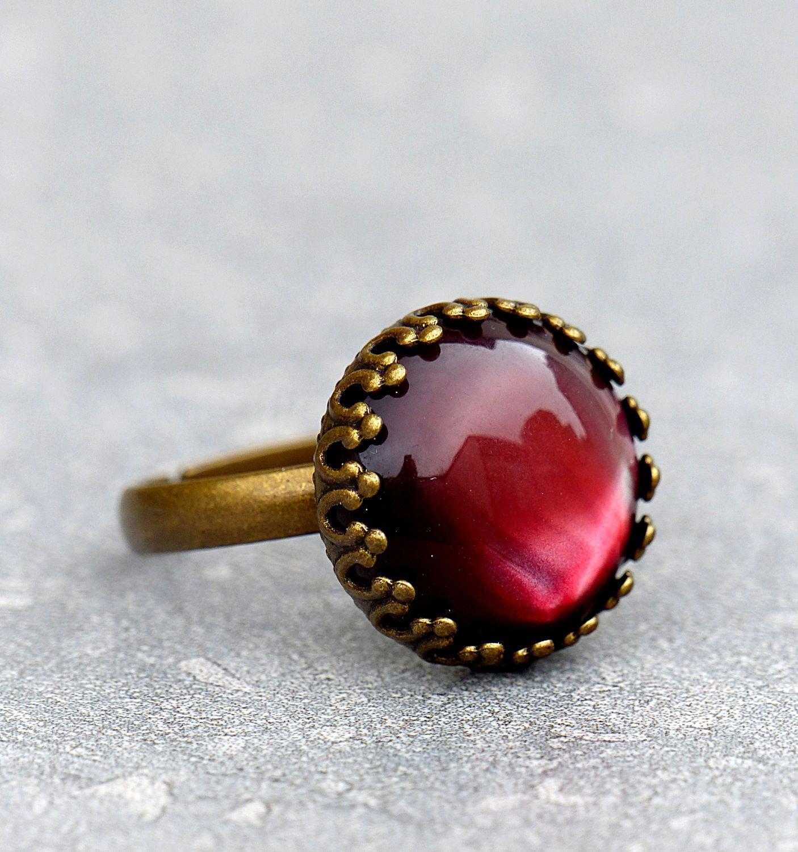 romantischer ring mit rot schimmernden stein etsy. Black Bedroom Furniture Sets. Home Design Ideas