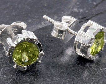 Peridot and silver, stud earrings, 925 sterling silver - 3684