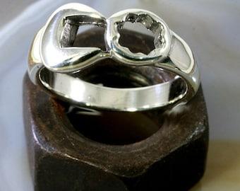 Screwdriver beware! screw wrench ring  -  6073