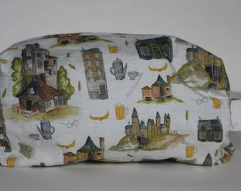 The Burrow and Beyond Medium Knitting & Crochet Project/Toiletry Box Bag