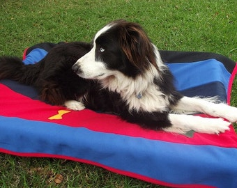 Keep your dog warm with large Australian made blankets, made from Australian made fleecy