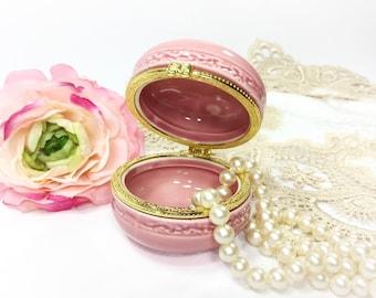 a2be323e54702c Dark Pink   Gold Macaron Gift Box