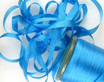"""Hand Dyed Spring /& Teal Green #53 Pure Silk Embroidery Ribbon 4mm 1//8/"""" wide"""