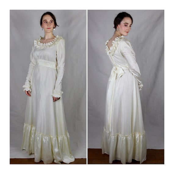 HOLIDAY SALE! Vintage 1960s/70s Bohemian Wedding D