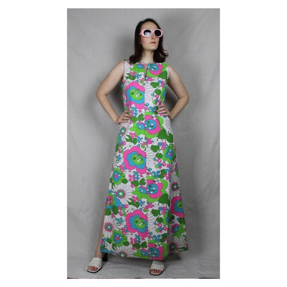 HOLIDAY SALE! Vintage 1960s / 1970s Groovy Psyched