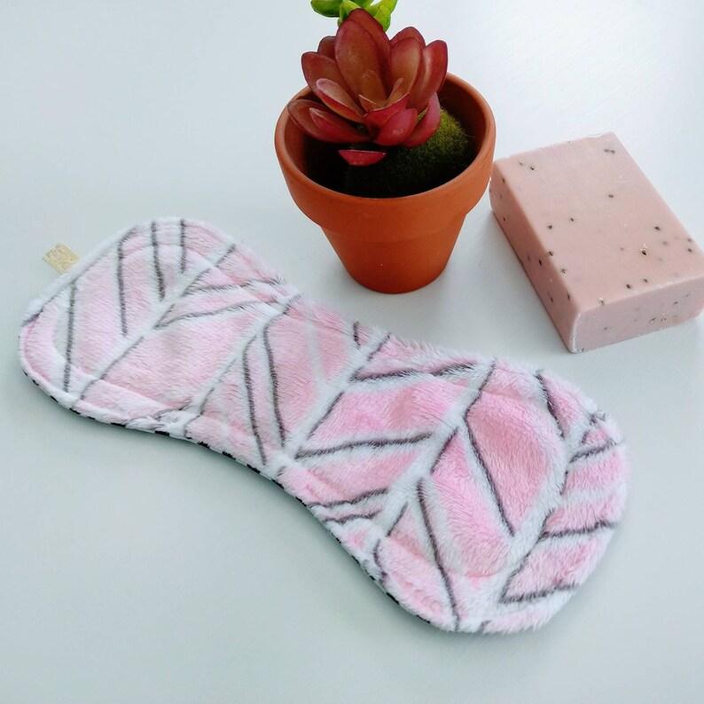 Wingless Regular Flow Reusable Cloth Pad/ Herringbone Blush/Graphite