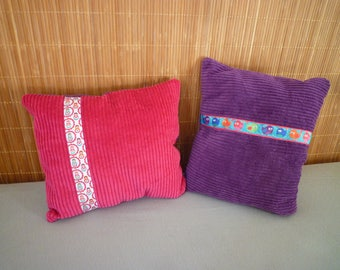 Set of two cushions velvet thick ribs, pink and purple