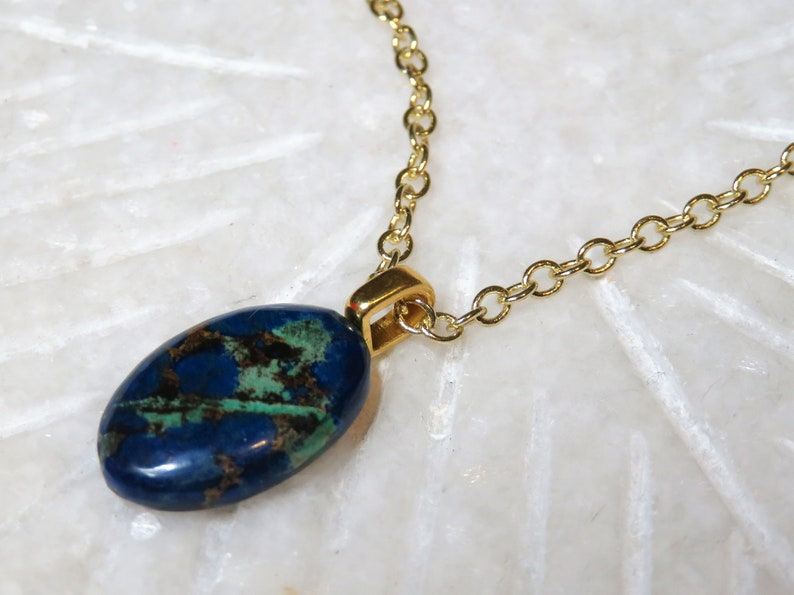 """Stunning 1/"""" Jadelite Faceted Sky Blue Color Oval Pendant with 18/"""" Chain"""