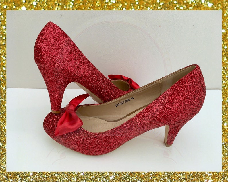 9bee2cbacfc6c Red bow shoes, Red glitter heels, Bow glitter shoes, Shoes with bow,  Dorothy shoes, Red bridal heels, Red bridesmaid shoes, Custom shoes red