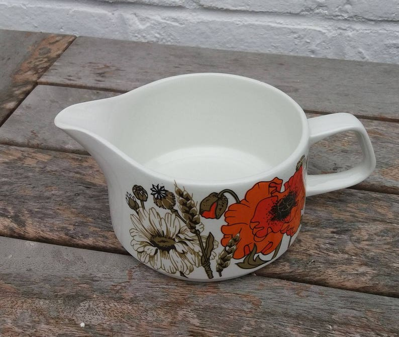 Vintage J and G Meakin Eve Midwinter Design 'Poppy' image 0