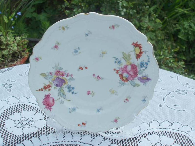 Late Victorian Floral Cake Plate 1899  1918 image 0