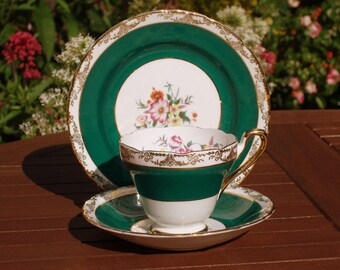 Beautiful Vintage Sutherland China Trio Tea Cup Saucer 3106 Green Floral Gilded