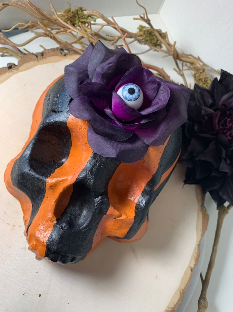 Cement Skull planter