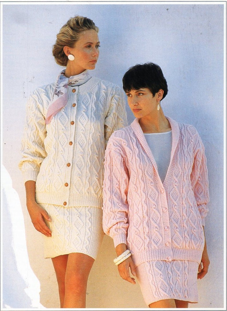 001a82a0e Vintage ladies aran jacket skirt suit knitting pattern pdf DK