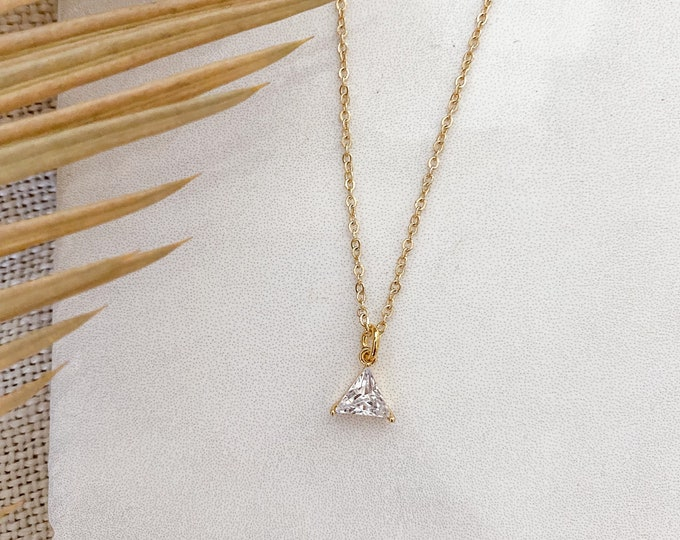 Mara - 14k gold necklace