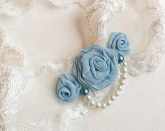 Bridal lingerie lace garter, ivory and blue garter, wedding garter, gift for bride to be or bridal boudoir photoshoot, bridal shower gift