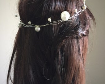 Giant pearls hair wreath, oversized pearls bridal hair accessory, faux pearls wedding halo, modern mixed pearls bridal look