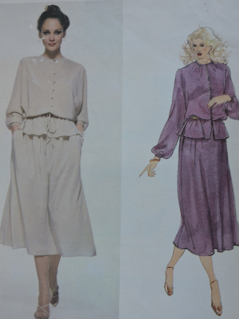 Bill Blass American Fashion Designer Vintage Loose Fitting Top Skirt and Belt /& Label Vogue Uncut Sewing Pattern 1992 Size 14