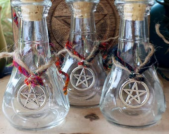Witch Bottles for your potions, Witchcraft herbs, Wicca Supply, Witchcraft Supplies, Apothecary bottle with a pentacle charm, Spell Bottles