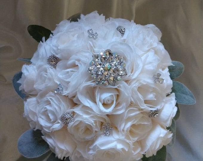 Creamy White Sweetheart Rose Bouquet perfect for a Wedding, Communion or Quinceanera Bouquet.