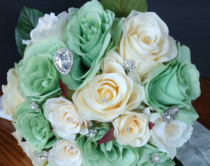 Neo Mint and Ivory Rose Bouquet
