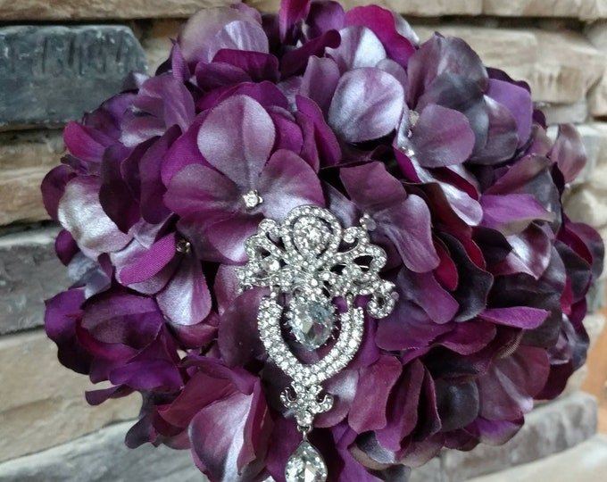 Elegant Purple and Silver Bouquet